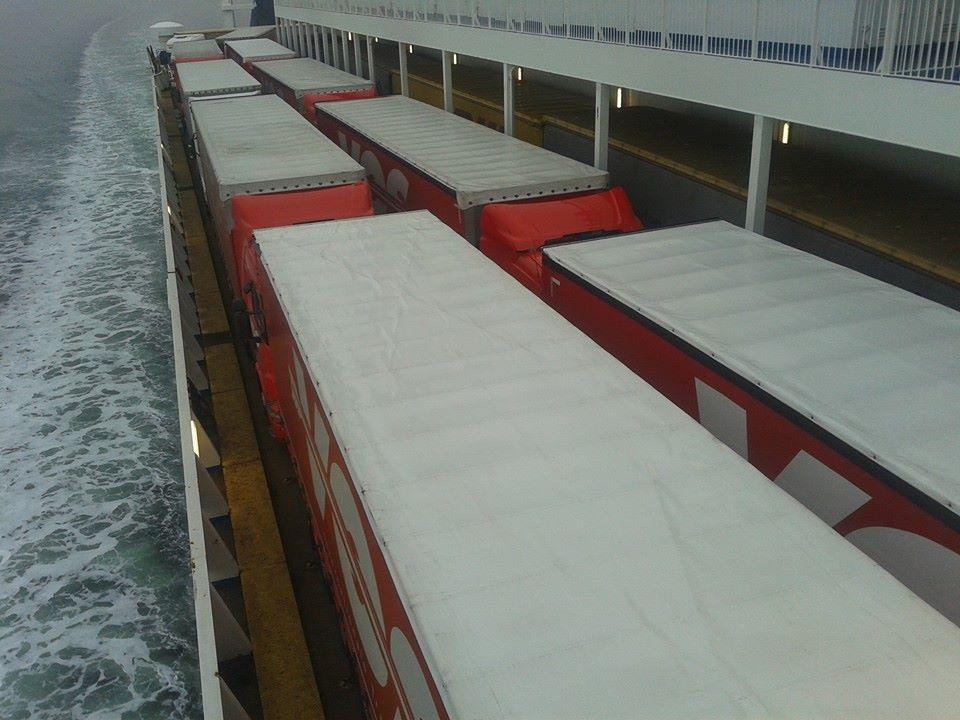 Transport naar Noorwegen op de boot